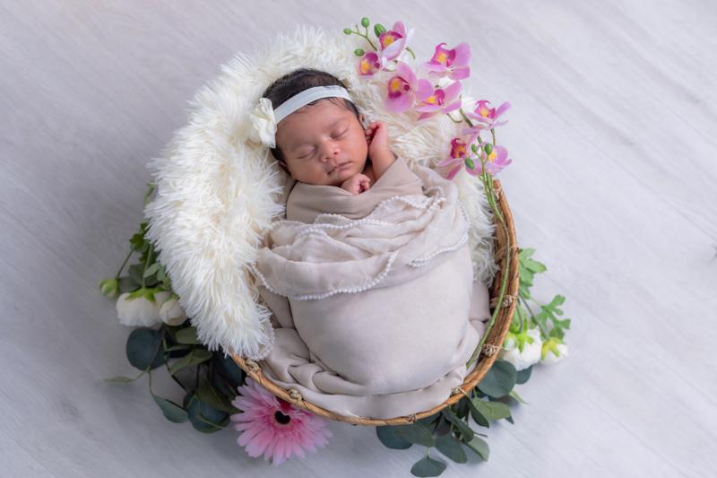 newborn-photoshoots-london